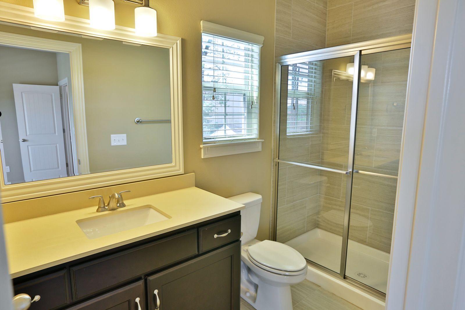 front_bedroom_bathroom.jpg